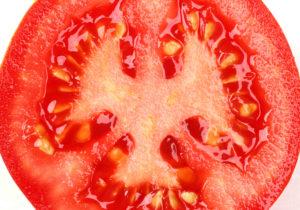 beneficios del jugo de tomate