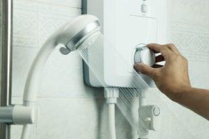 ducha de agua caliente